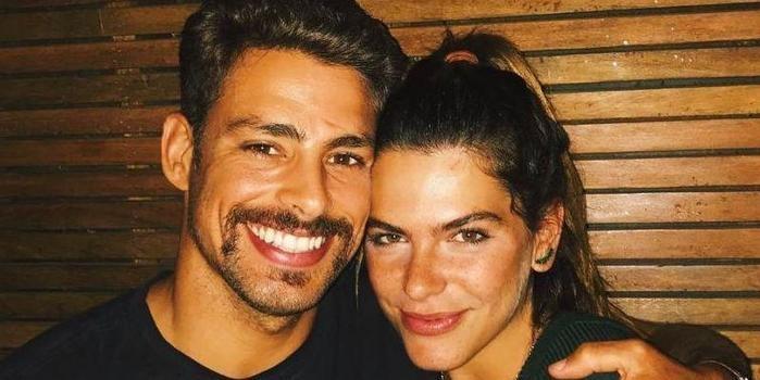 Mariana Goldfarb se irrita com assédio de fãs em Cauã:'Me incomoda'