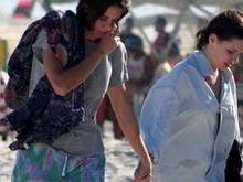 Bruna Linzmeyer curte praia com a namorada no Rio; fotos