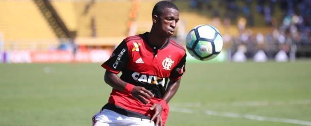 Após boa atuação, Vinicius Junior ganha elogios de Zé Ricardo