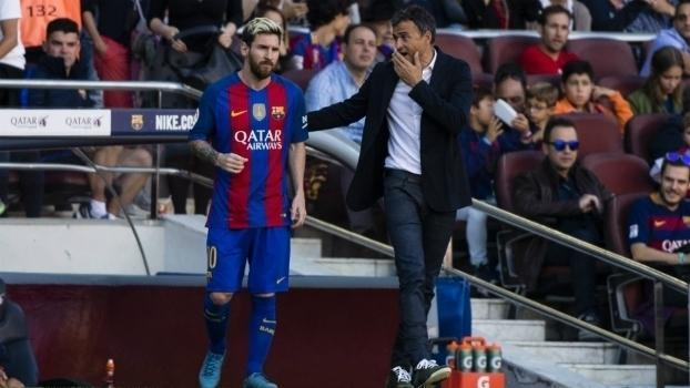 Luis Enrique e Lionel Messi, junto no Barcelona durante a última temporada (Crédito: Getty)