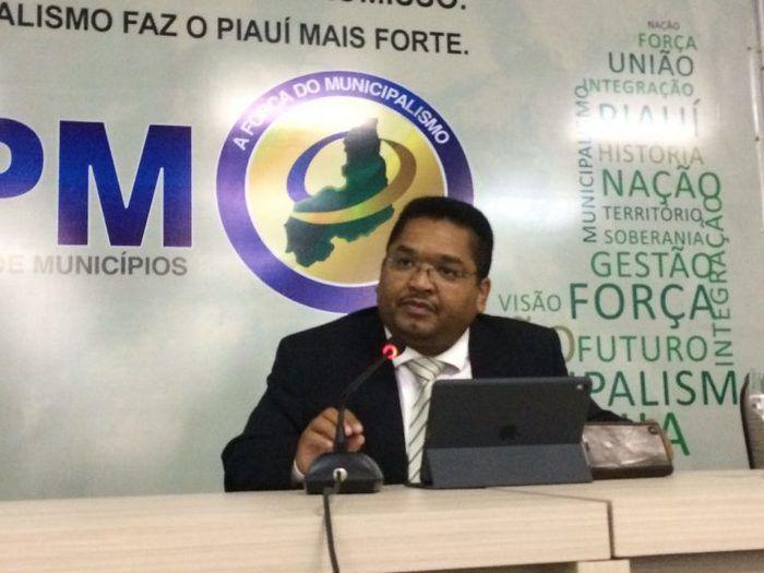 Conselheiro-substituto Alisson Felipe Araújo