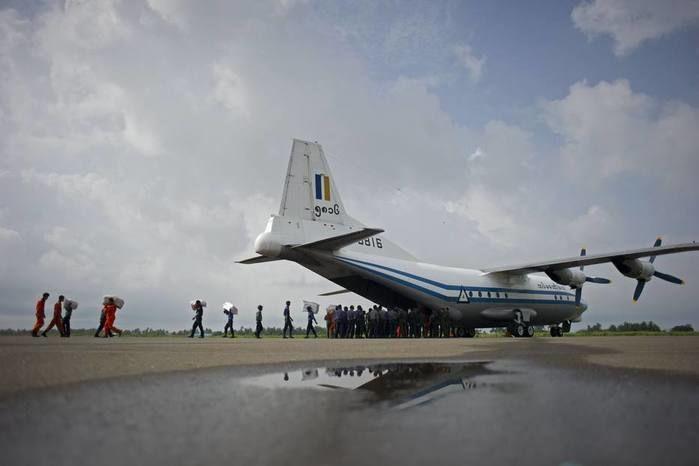 Avião militar desaparece com 114 pessoas em Mianmar