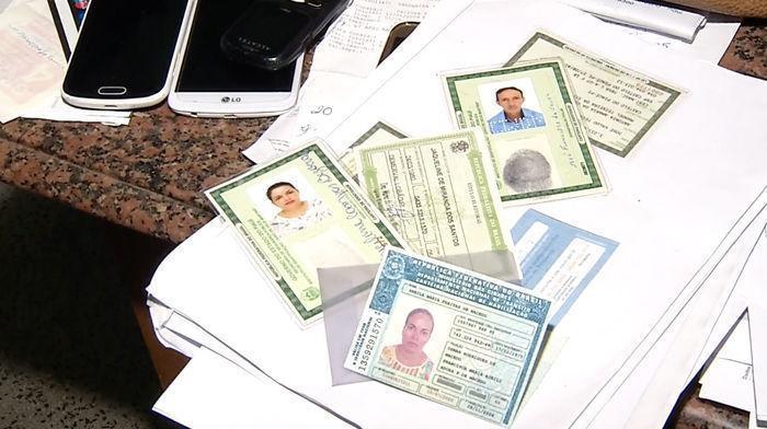 Documentos falsificados pelos criminosos  (Crédito: Reprodução)