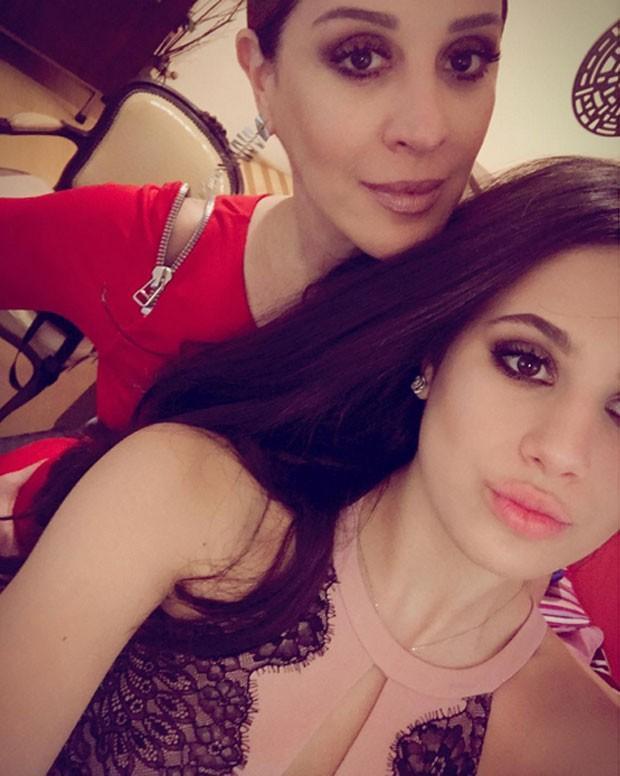 Filha de Claúdia Raia chama atenção por semelhança com a mãe