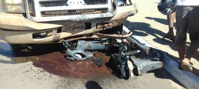 Veículo ficou praticamente destruído (Crédito: Jornalesp)