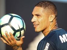 Flamengo intensifica conversas para renovar com Guerrero