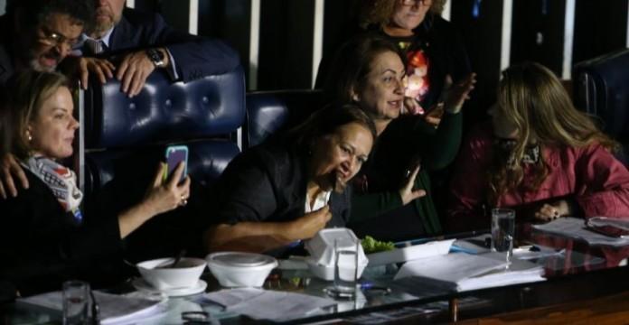 Regina Souza, com outras senadoras, ocupou a mesa diretora do Senado (Crédito: Reprodução)
