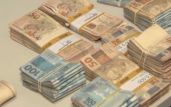 Polícia apreendeu R$ 150 mil com grupo suspeito de fraudar vestibulares de medicina, em Goiás (Crédito: Reprodução)