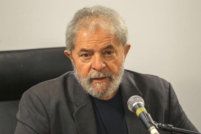 Lula se posiciona sobre sentença em página oficial