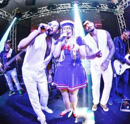 Sertanejos vão a festa fantasiados (Crédito: Reprodução)
