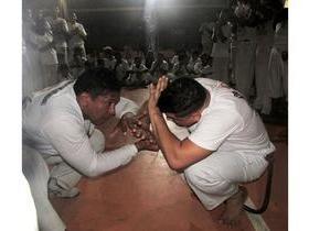 Aula de férias RDB de capoeira envolve famílias e amigos
