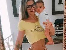 Kelly Key mostra a cintura fininha cinco meses após dar à luz