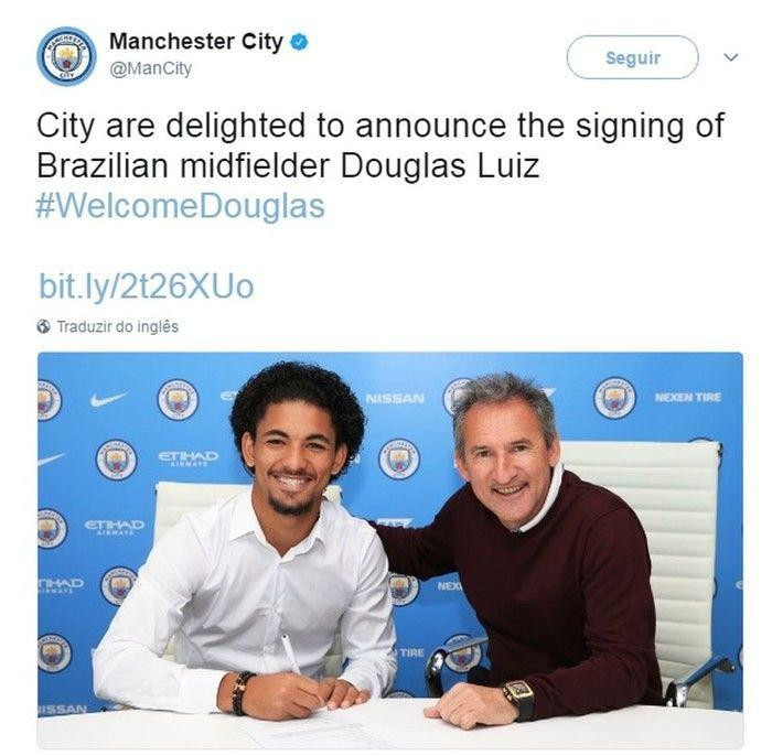 City anunciou acordo com volante brasileiro Douglas (Crédito: Reprodução)