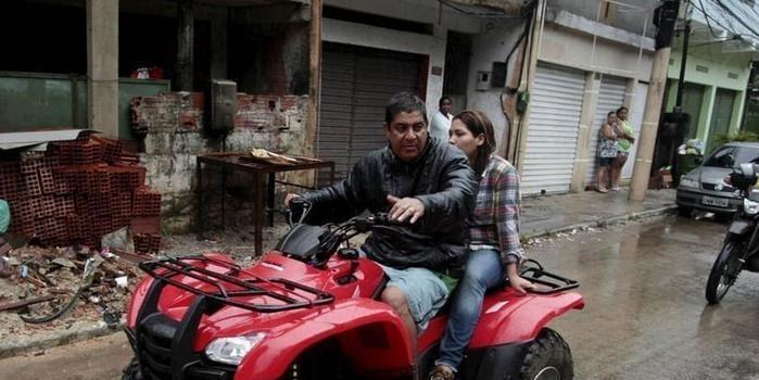 Zeca Pagodinho sofre acidente com quadriciclo no Rio de Janeiro