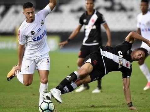 Com portões fechados, Vasco e Santos não saem do zero
