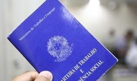 Brasil cria 67,3 mil vagas formais de trabalho no primeiro semestre