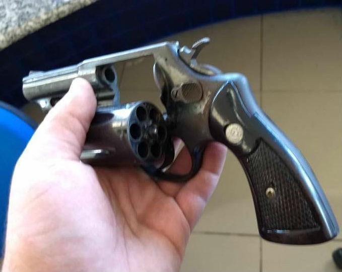 Arma apreedida pela PRF em Piripiri (Crédito: Divulgação)