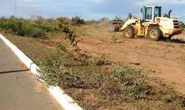 Município dá início a construção de campo de futebol em loteamento