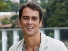 Marcello Antony cobra salário de R$ 150 mil da Record e é esnobado