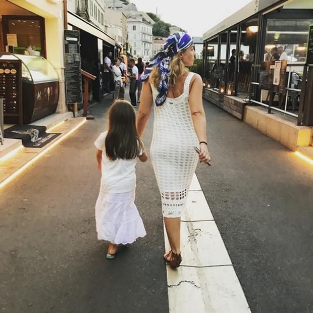 Huck posta foto divertida dos filhos durante férias na Itália
