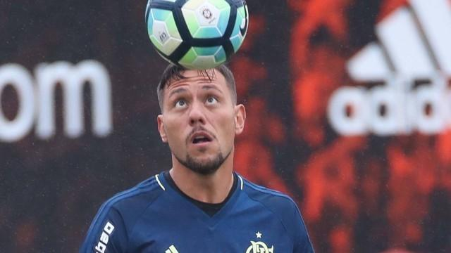CBF afasta bandeirinha que anulou gol de Jô