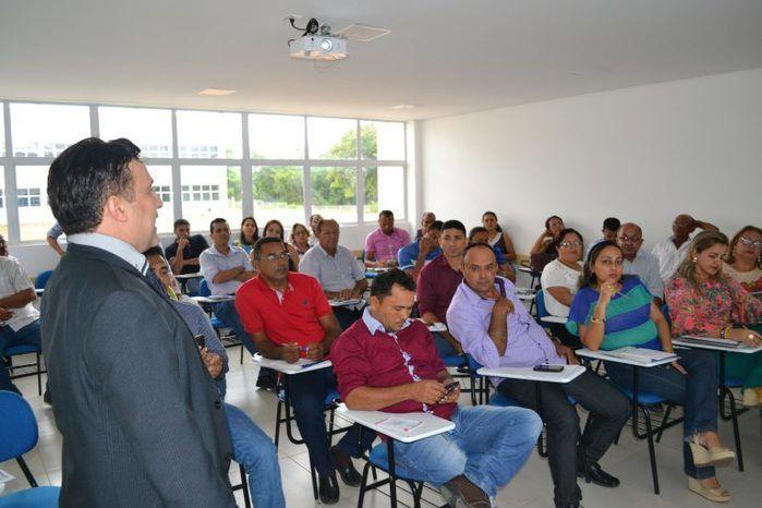 Delano Câmara ministra minicurso no  XXXIII Seminário de Formação de Controladores Sociais e Ouvidoria Itinerante
