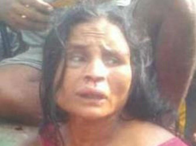 Mulher é linchada e morta em praça após ser acusada de sequestro