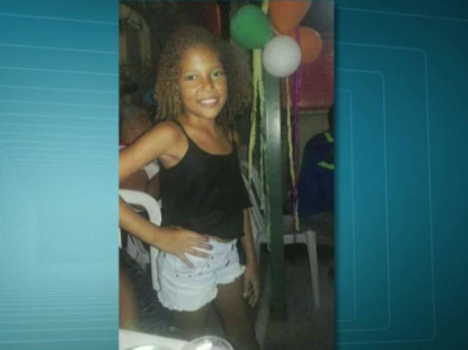 Menina de 10 anos é baleada na cabeça e morre durante tiroteio