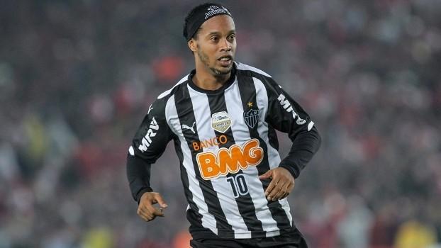 Ronaldinho conquistou a Libertadores com a camisa do Atlético-MG (Crédito: Reprodução)