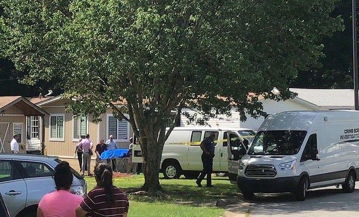 O quinto filho da mulher foi encontrado ferido (Crédito: Reprodução)