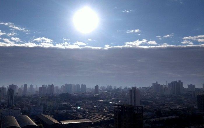 'Nuvem tsunami' intriga moradores em São Paulo