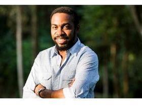 Lázaro Ramos lança livro sobre discriminação e identidade afro