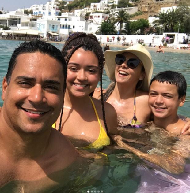 Carla Perez, Xanddy e os filhos