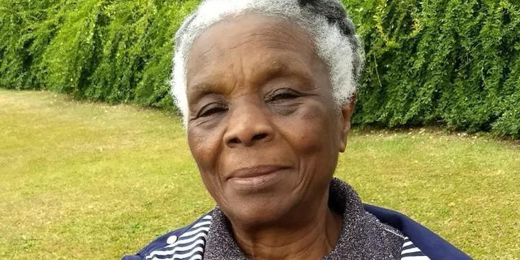 """""""Sobrevivente pela educação"""", diz professora negra sobre racismo"""