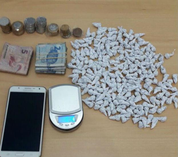 Droga apreendida com Maria da Conceição Martins de Sousa (Crédito: Polícia Civil)