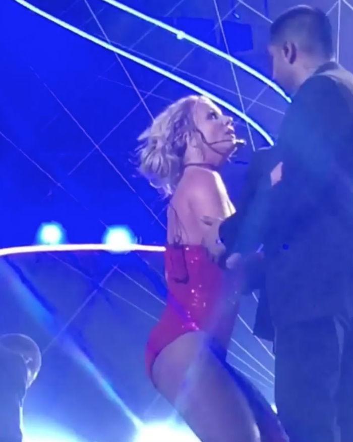 Britney Spears ficou assustada com a cena (Crédito: Reprodução)