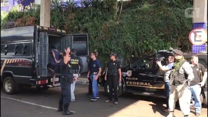 Brasileiros detidos foram levados de avião a Ciudad del Este (Crédito: G1/TV Globo)
