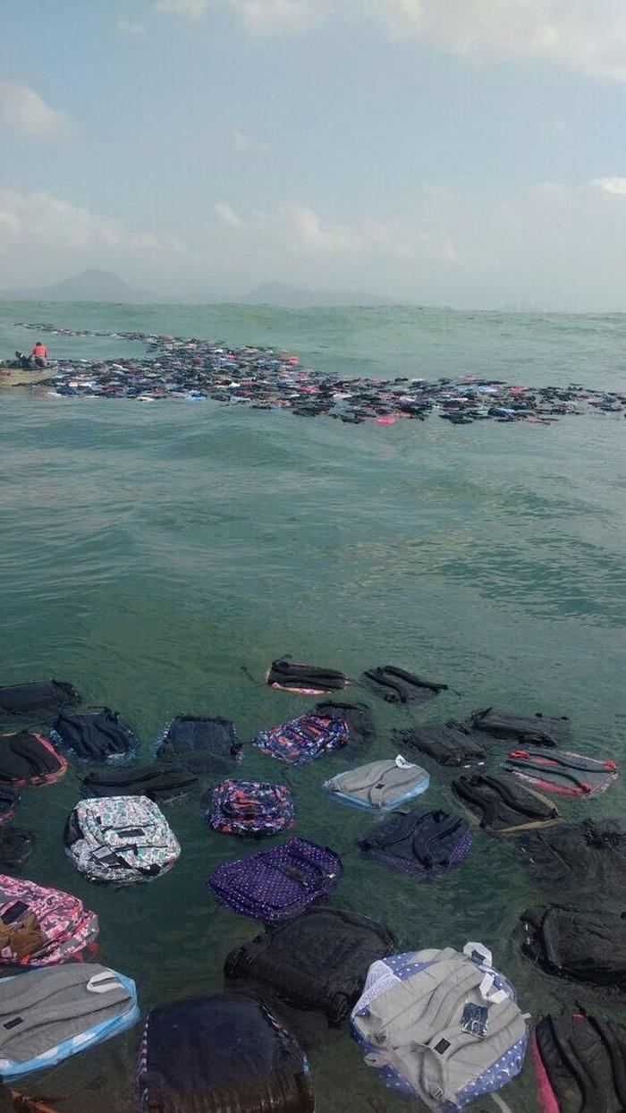 Mochilas ficaram espalhadas por vários quilômetros na costa de Santos e Guarujá (Crédito: Reprodução)