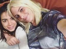 Cantora Anitta aparece sem maquiagem em foto de amiga