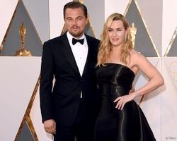 "Casal de ""Titanic"", Leonardo DiCaprio e Kate Winslet vivem romance"