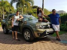 Anitta compra carrão de quase R$ 70 mil para presentear o pai