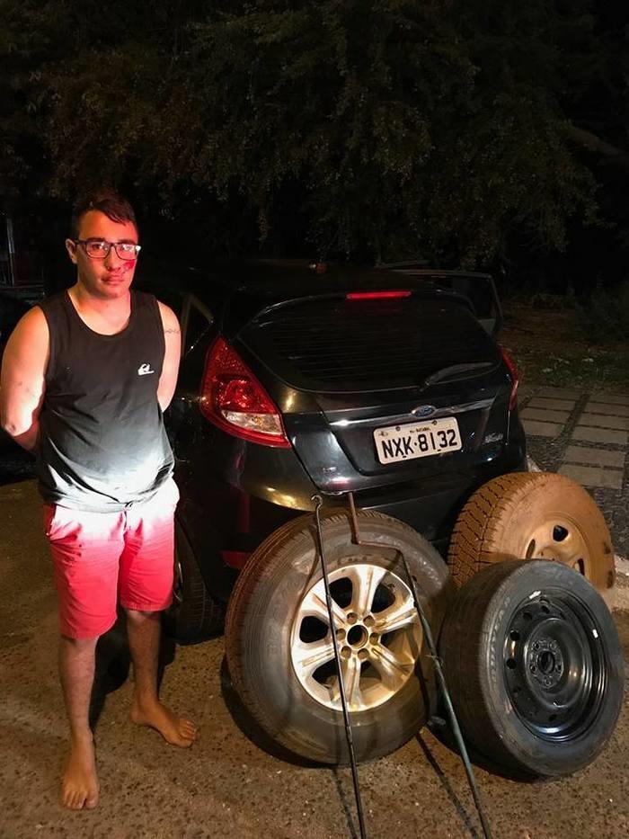 Jovem é preso após furtar veículos na zona Leste de Teresina (Crédito: Plantão Policial)