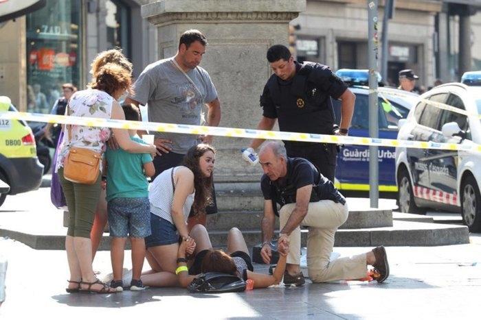 Atentado terrorista em Barcelona deixou 13 mortos  (Crédito: Joan Sánchez)