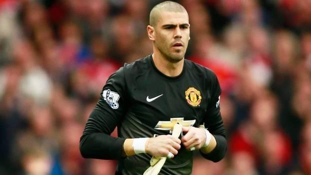 Victor Valdés teve passagem discreta pelo Manchester United (Crédito: Reuters)
