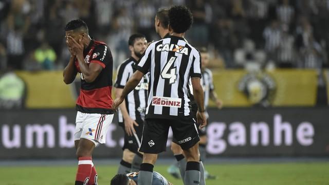 Berrio lamenta chance perdida (Crédito: Globo Esporte)