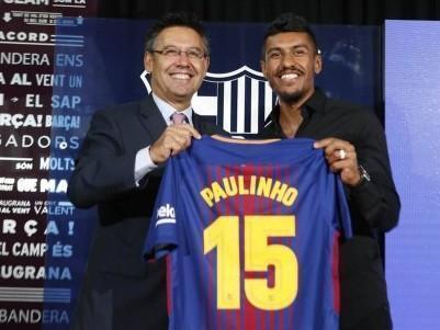 """Paulinho é apresentado no Barcelona com a 15: """"Momento especial'"""