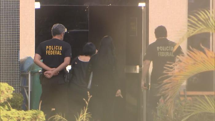 Imagem mostra chegada de investigados à Superintendência da PF em Brasília (Crédito: Reprodução)