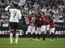 Vitória tira invencibilidade do Corinthians na Arena