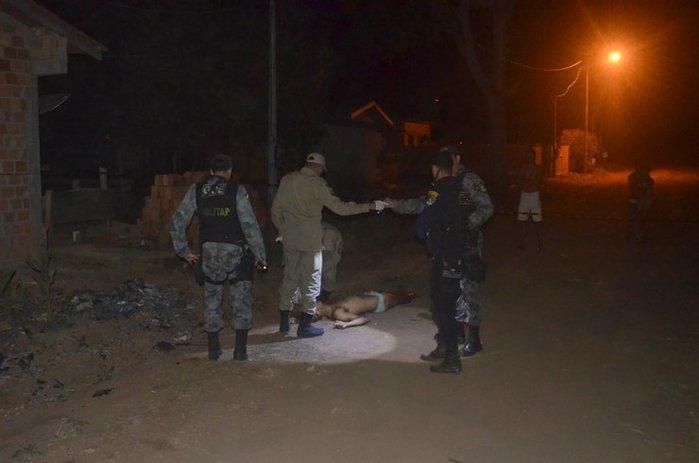 Homem é morto após tentar estuprar menina e agredir policial