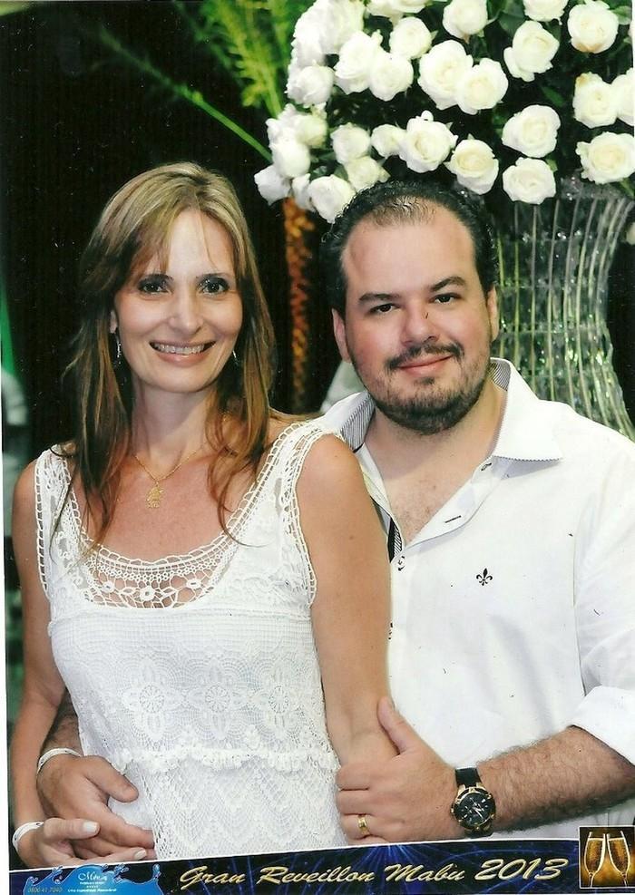Cláudia e Cristian em foto de perfil no Facebook (Crédito: Reprodução/Facebook)